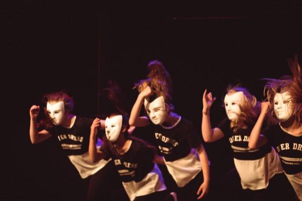 Studio Dance-A-LOT dansschool Almere, dansles Moderne dans, Streetdance Eline Timmer, Trinity Rellum, Anne Agter, Isa Regelmeyer, Bobbi Vontsteen